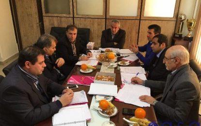 جلسه رئیس کمیته فوتسال و رئیس سازمان لیگ با سرمربی تیم ملی/ تصمیم گیری درباره برگزاری مسابقات لیگ برتر
