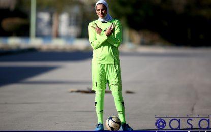 اولین بانوی ترانسفر شده در فوتسال ایران از سابقه ورزشی اش میگوید/ آخوندی: هدفم باز شدن راه برای استعدادهای ایرانی است