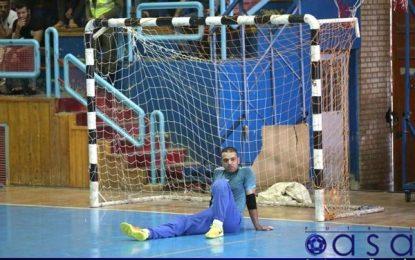 دروازهبان تیم آتلیه طهران قم از کادر فنی و هواداران عذرخواهی کرد